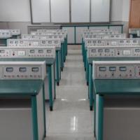 Masă de laborator pentru elevi